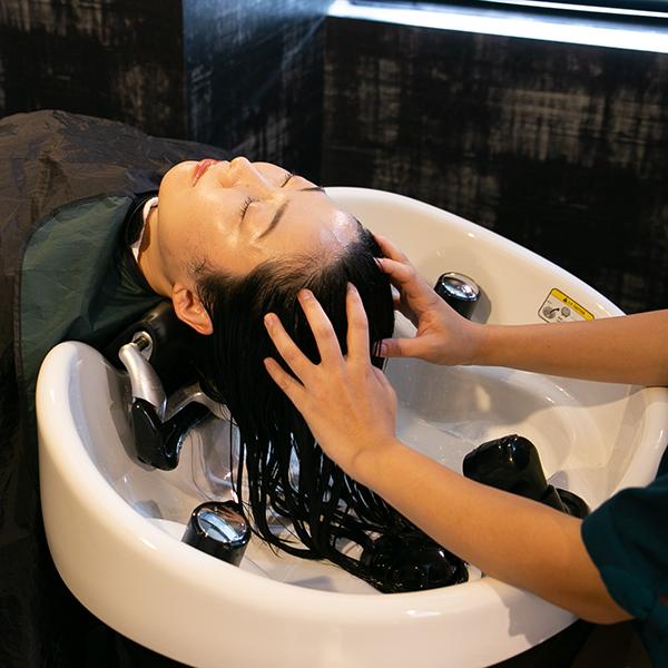 フルフラットの最高級YUMEシャンプー台で極上の治癒スパ体験を(60分)